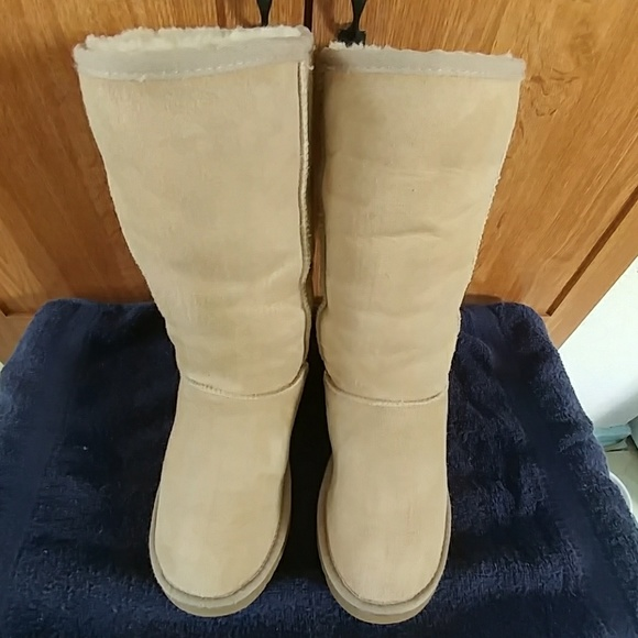 60ee4a174c1 Authentic UGG Classic Tall Sand Boots sz5